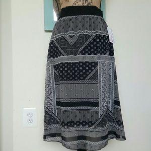 Lularoe New Black Floral Lola Skirt NWT